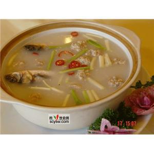 黄芪鲫鱼火锅