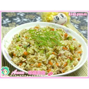 凤尾菇鸡肉炒饭