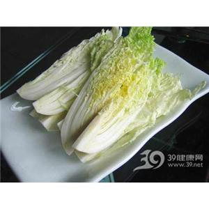 火腿白菜炖汤