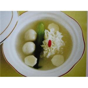 银耳鸽蛋汤
