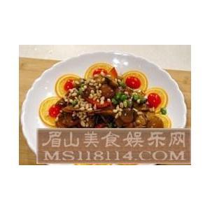 面筋草菇笋菜豆腐汤