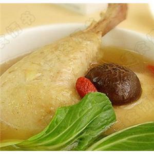 三黄鸡炖鸡汤