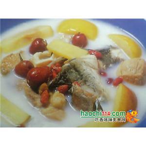 糯米红枣炖鲤鱼