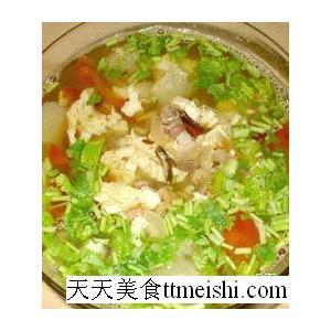鱼肉酸菜豆腐汤
