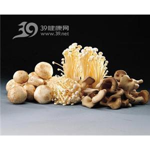 蘑菇烩萝卜球