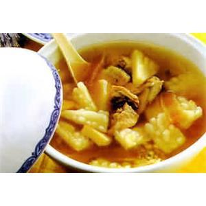 砂锅菠萝苦瓜鸡腿