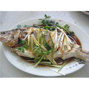 氽四鳃鲈鱼汤