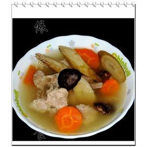莲藕乌豆煲乳鸽汤