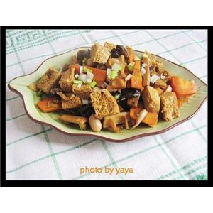 木耳炖冻豆腐