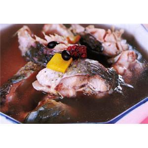 黑豆红枣鲤鱼煲