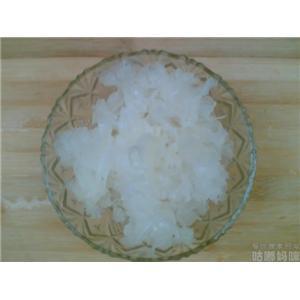 银耳莲籽汤