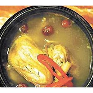 沙锅炖鸡块
