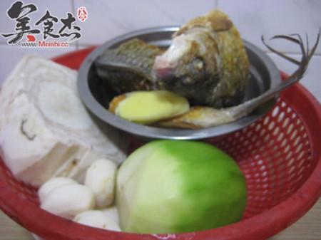 粉葛青萝卜鲮鱼汤