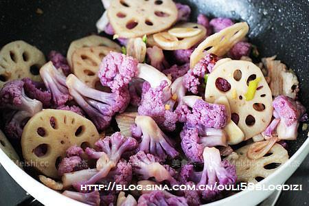 紫花椰炒脆藕