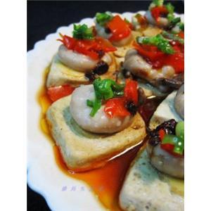 剁椒臭豆腐蒸目鱼蛋
