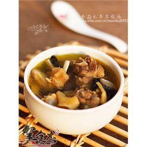 香菇木耳草鸡汤