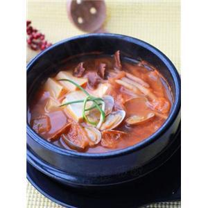 豆腐花蛤泡菜锅
