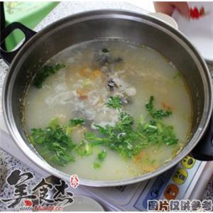 茴香鲫鱼火锅