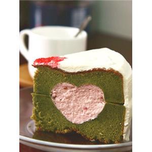 抹茶草莓慕斯爱心蛋糕