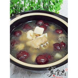 杏鲍菇黑豆莲藕煲鸡汤