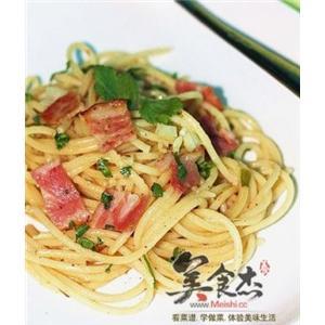 奶油培根pasta