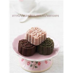 白豆沙冰皮月饼
