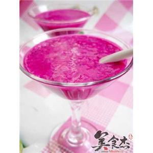 红肉火龙果酸奶昔