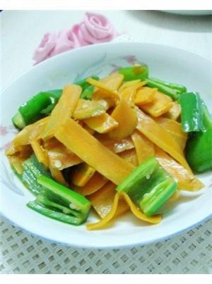 清炒胡萝卜片