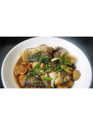 土豆烧咸马鲛鱼