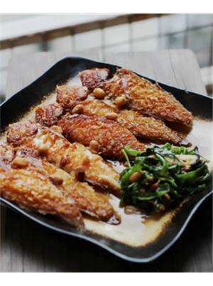 普宁豆酱焖鹦哥