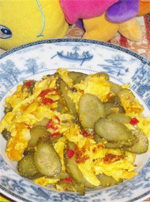 剁椒酸青瓜炒鸡蛋