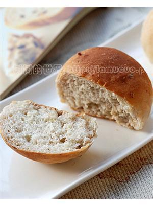 核桃香草面包