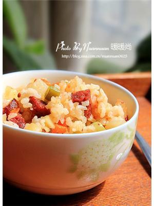 腊肠时蔬糙米饭