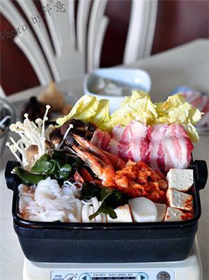 韩风辣味豚肉锅