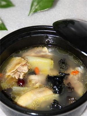 木耳枣鸡汤